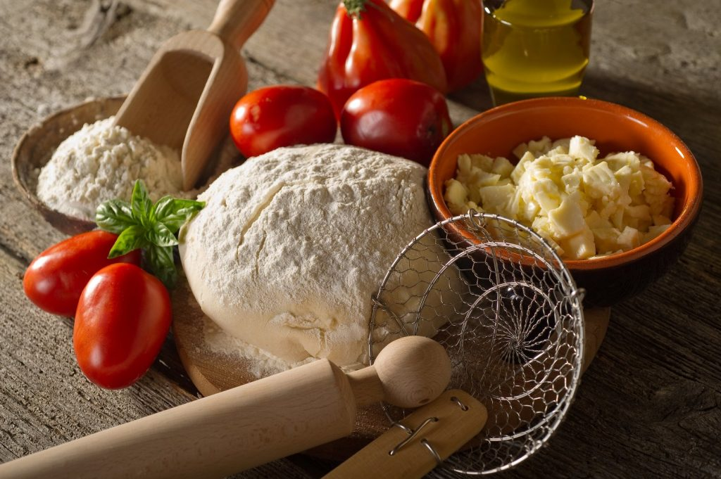 how-to-make-pizza-at-home-pizza-ingredients